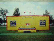 Yellow-Vinyl-Stage